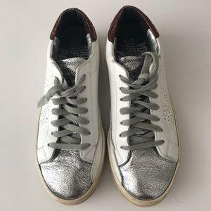 P448 Tennis shoes